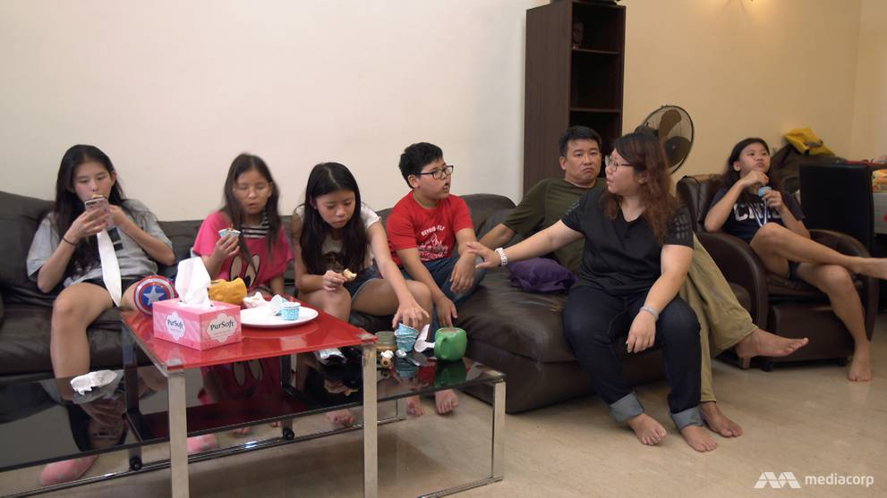 Household Chaos Makes Bringing Up >> Starting A Family Of 7 In Singapore At The Age Of 21 Cna