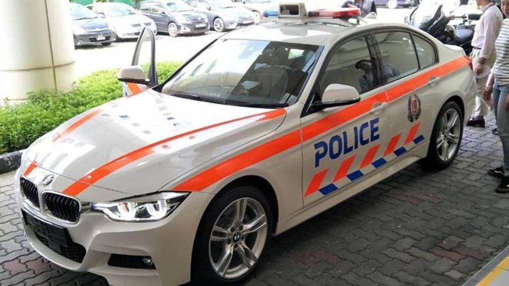 [Image: bmw-3-series-singapore-police-car-2.jpg]