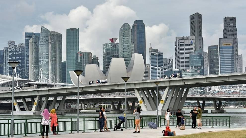 Singapore stock market bounces on Fed's bumper boost