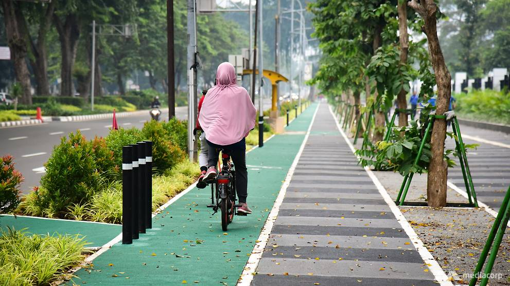 Bleak future for Jakarta cyclists as cars dominate the city's roads