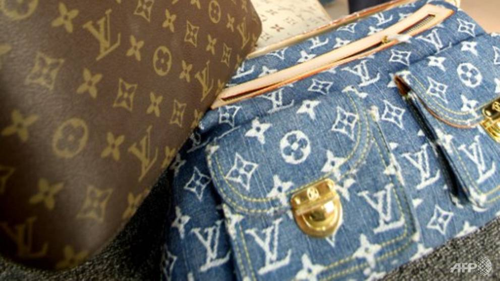 China smashes counterfeiting ring that sold 100 million yuan of branded goods