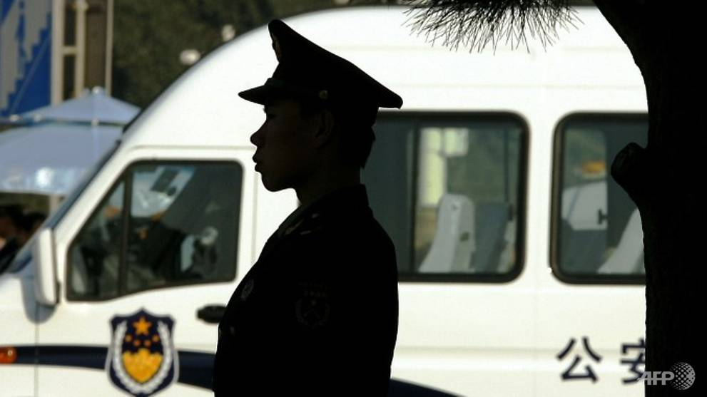 Car ploughs into crowd in China killing 6, police shoot driver