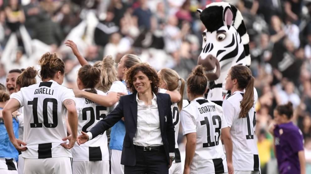 Juventus Women Draw Record Crowd In Allianz Stadium Debut Cna