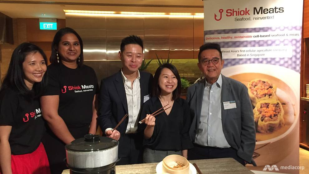 Co-founders of Shiok Meats Dr Ka Yi Ling andDr Sandhya Sriram, Director of Innovate 360 John Cheng, APAC Managing Director of Good Food Institute Elaine Siu and CEO of Monde Nissin Henry Soesanto at Shiok Meats's launch of the Shiok Shrimp Dumpling on Friday (Mar 29). Image: CNA/ Cindy Co)