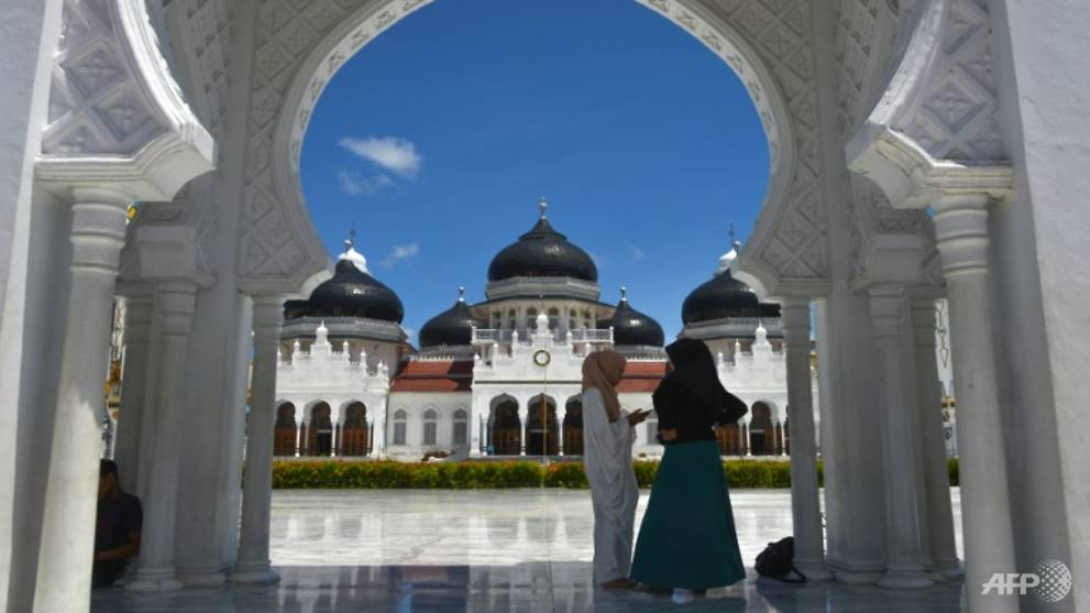 Indonesia's Aceh says women's ...