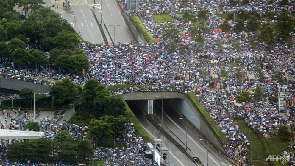 Singaporeans in Hong Kong advised to avoid large crowds
