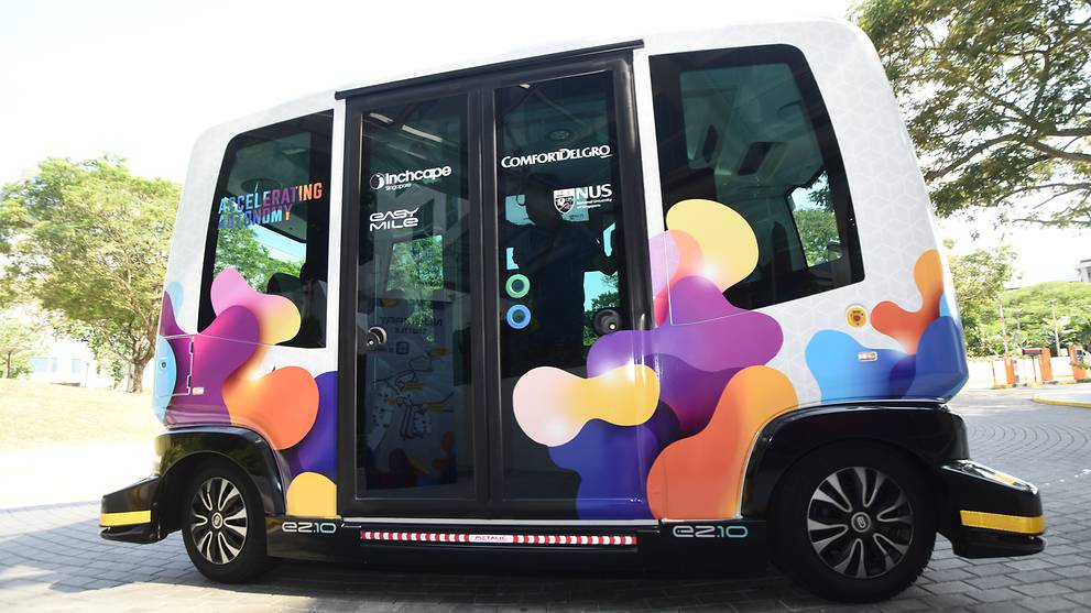 Driverless shuttle gets into accident on launch day in Las Vegas