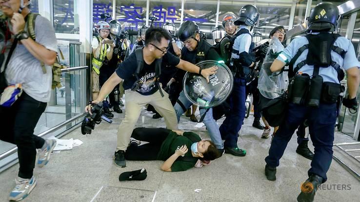 [Image: hong-kong-scuffle.jpg]