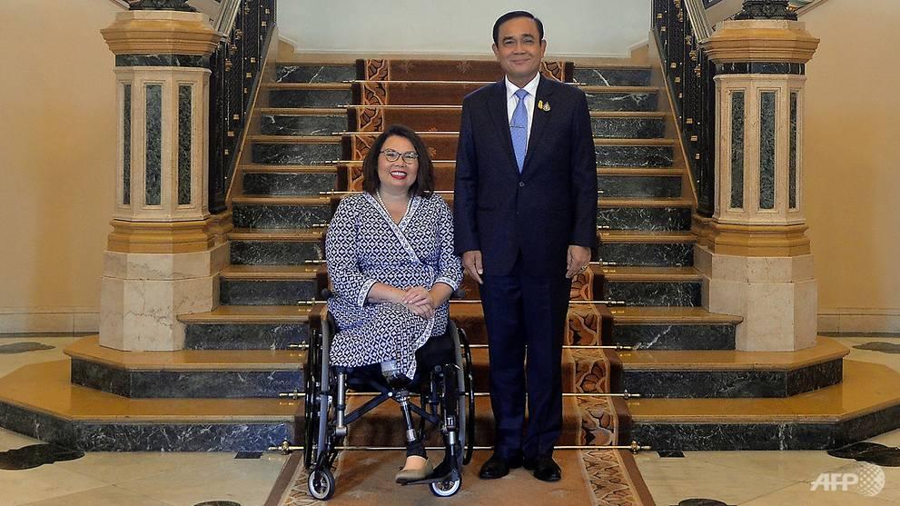 Thai-American US senator hails 'messy' democracy in Bangkok