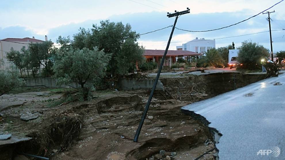 Three die as storm front batters Greece - CNA