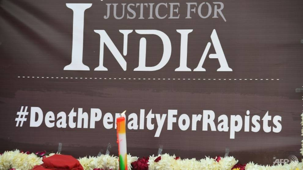 Delhi bus gang-rapists to hang on Friday: Lawyer