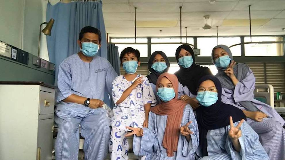 Malaysian doctor, wife and 5 children test positive for COVID-19