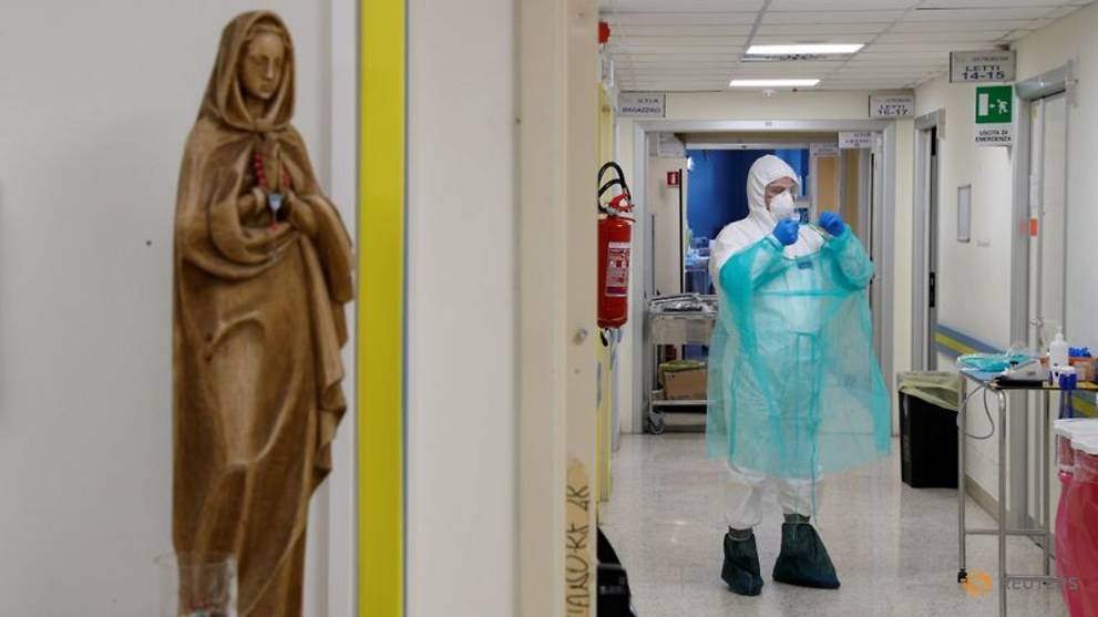 Italy sees 812 more coronavirus deaths, but new cases fall steeply