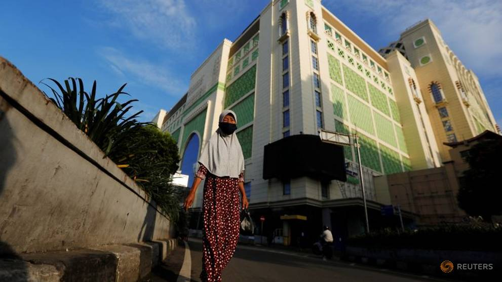 Covid 19 Jakarta S Low Wage Workers Hard Hit By Layoffs Forced Unpaid Leave Cna
