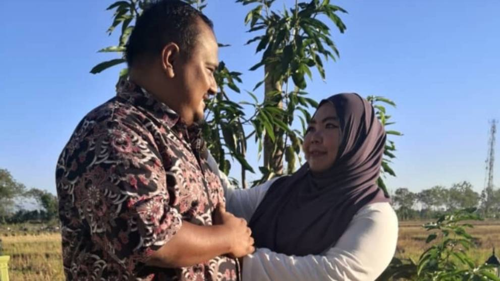 Malaysian woman wins battle against COVID-19 after losing policeman husband to the disease
