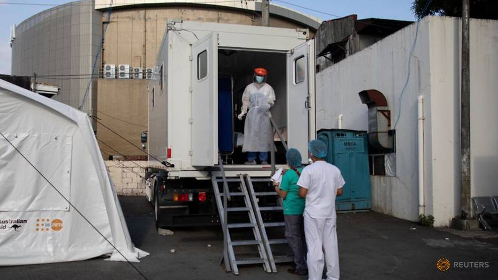 Philippines' COVID-19 infections top 7,000 as country extends lockdown in Manila