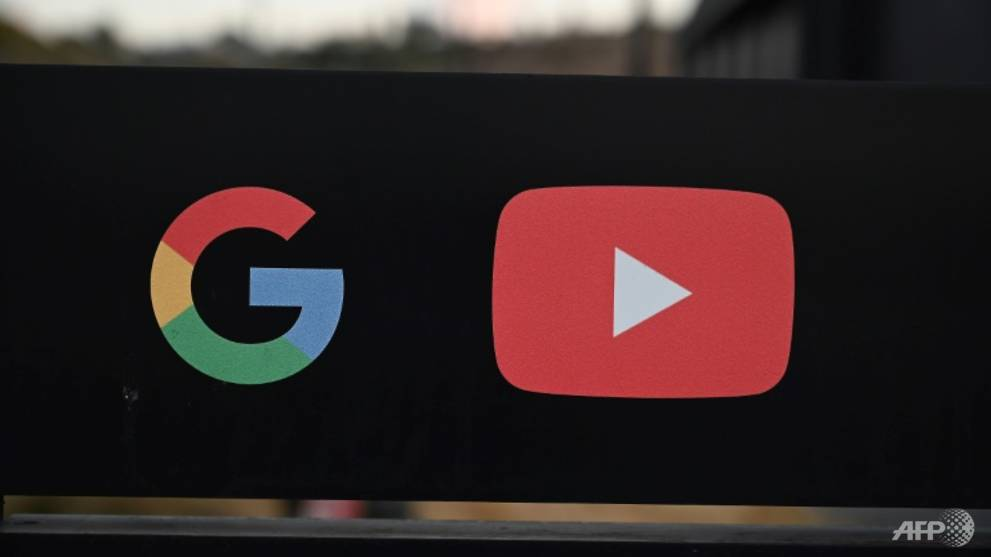 YouTube says removal of China comments 'an error'