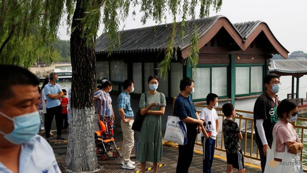 China sees uptick in new COVID-19 cases, including 17 in Beijing