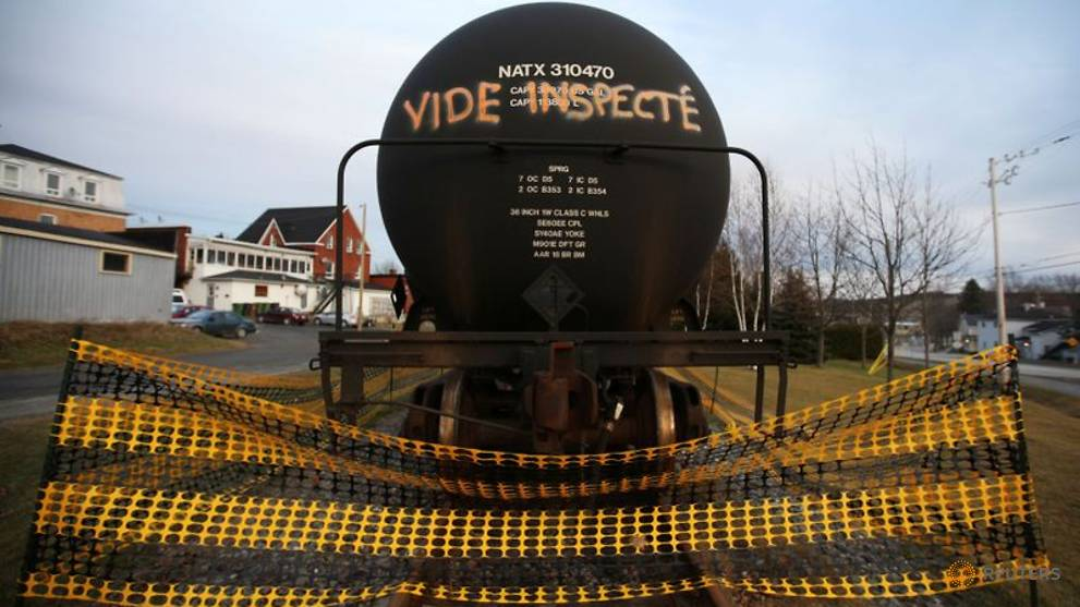 Image of article 'Once Canada's oil relief valve, rail shipping grinds to near halt'