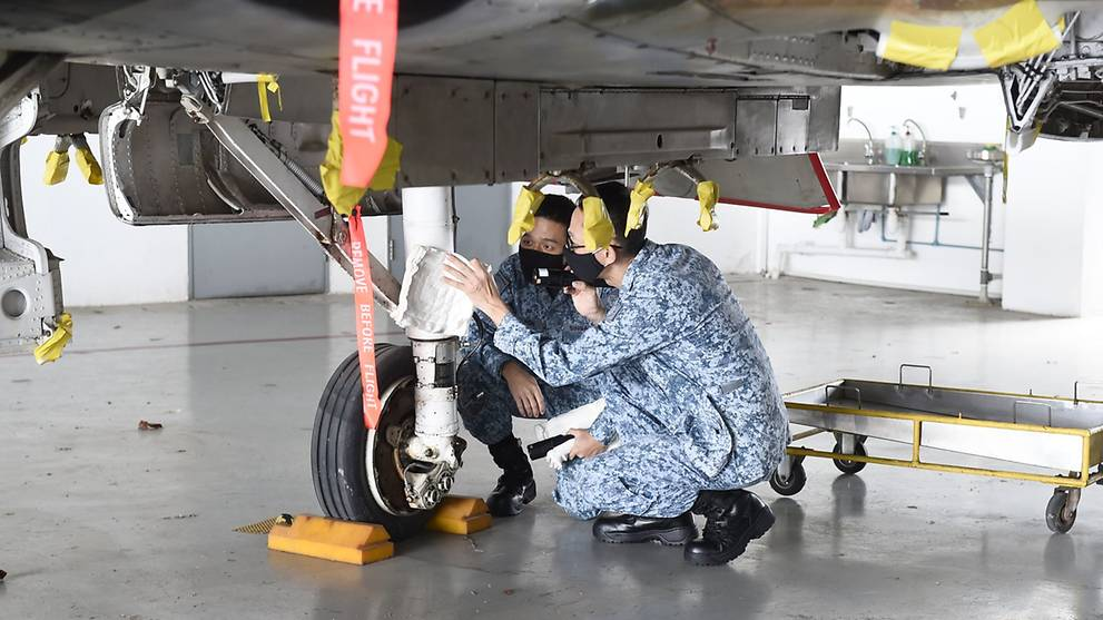 New programme lets ITE graduates get aircraft maintenance engineering diploma while serving NS with RSAF