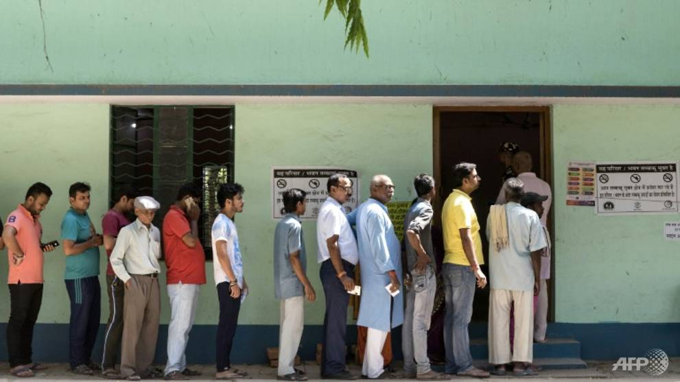 Indian state to allow quarantined COVID-19 patients to vote in elections