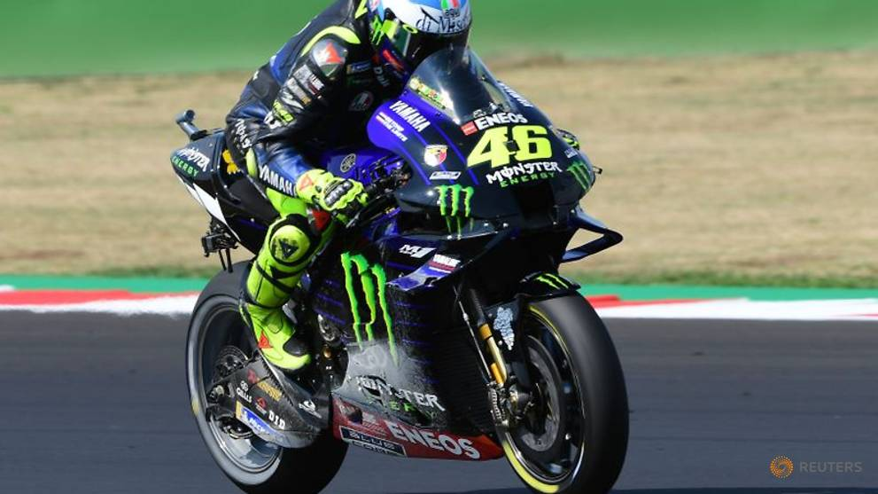 Rossi staying in MotoGP with Petronas Yamaha