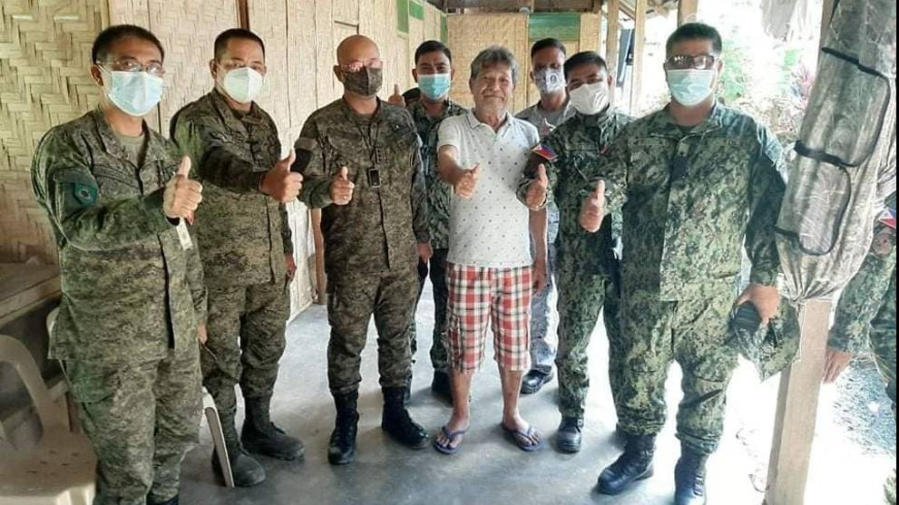 Philippine troops rescue man seized by suspected militants