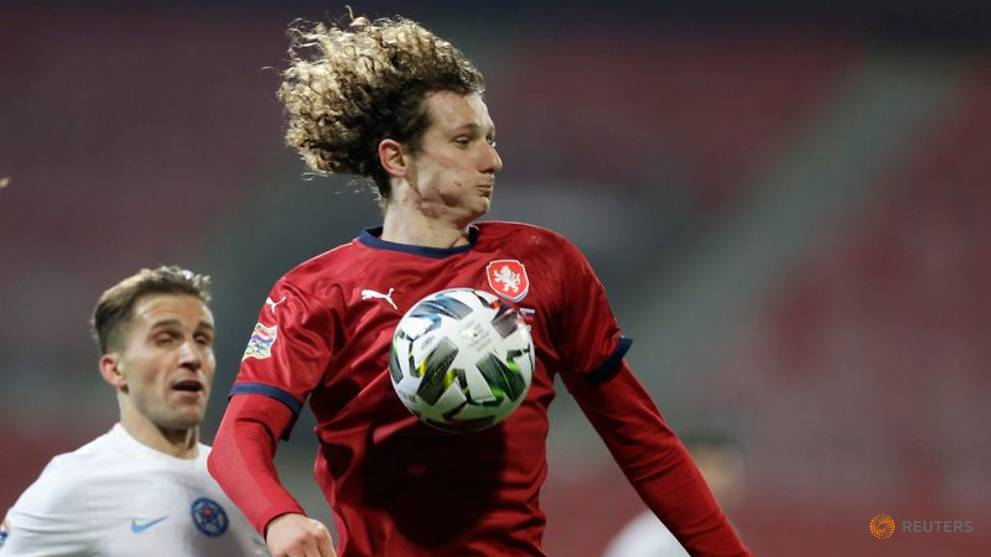 football-czechs-pip-scotland-for-promotion-russia-hopes-end-in-humiliation