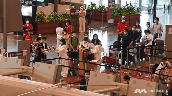 people-in-masks-at-changi-airport-15.jpg