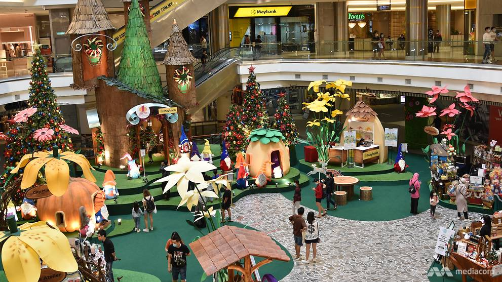 Image of article 'Malls in Malaysia decked out for the festive season as COVID-19 curbs ease, crowds return'