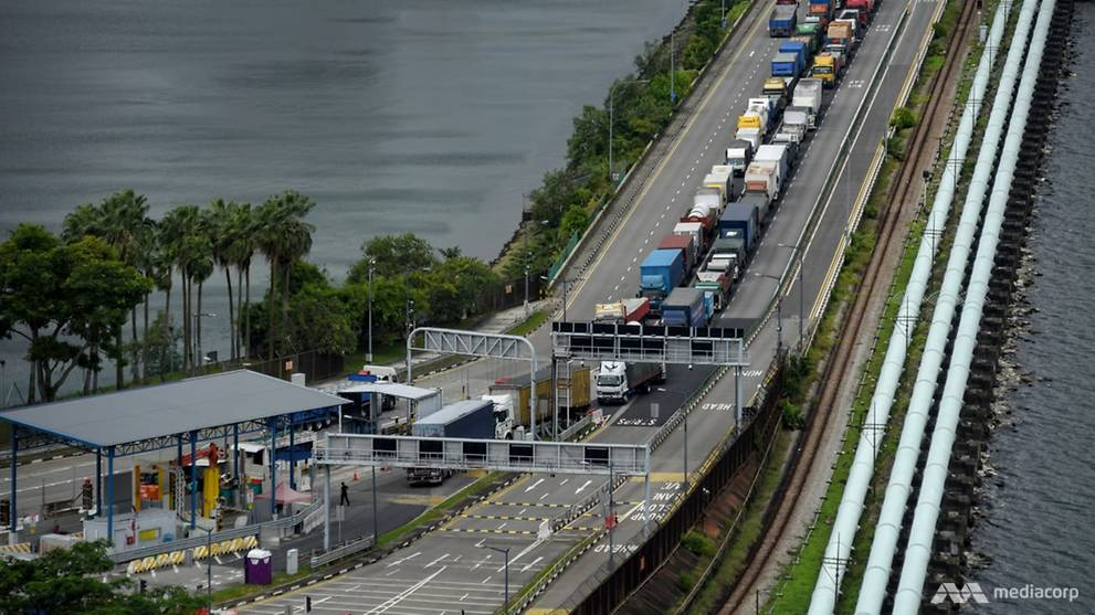 Malaysian cargo drivers may use vaccination card, TraceTogether token or app to skip Causeway COVID-19 test