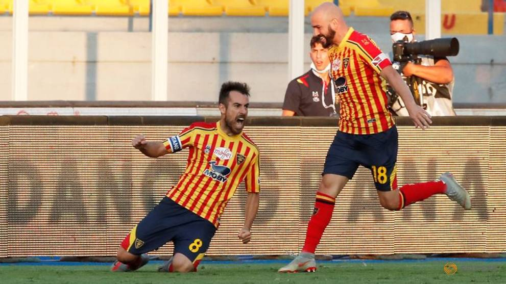 Soccer-Lecce captain vows to finish season despite tumour surgery