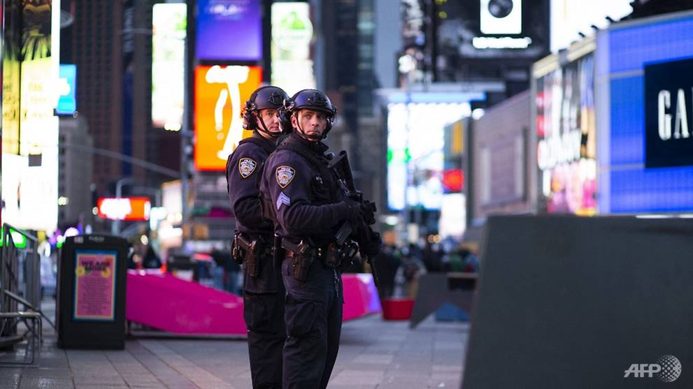 Times Square shooting leaves three injured including a girl