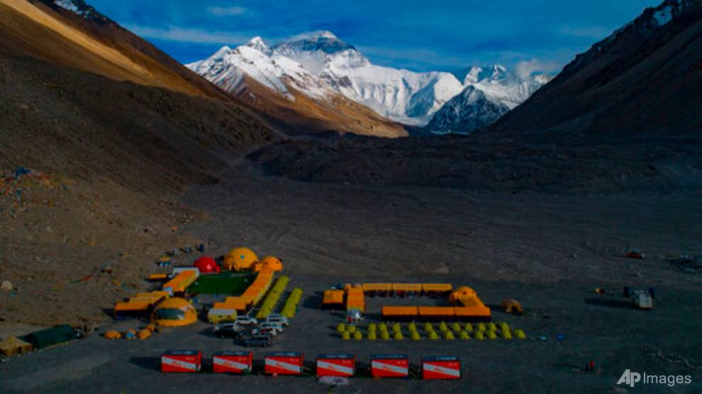 China cancels Everest climbs over fears of COVID-19 from Nepal