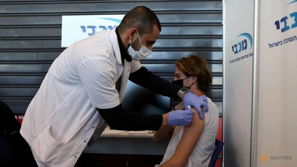 Israel membutuhkan masker di dalam ruangan lagi karena varian Delta meningkatkan kasus COVID-19