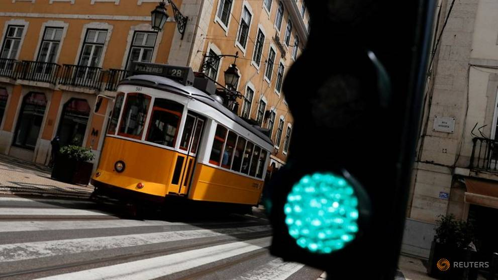 Lisbon residents confined to region at weekends as COVID-19 spikes
