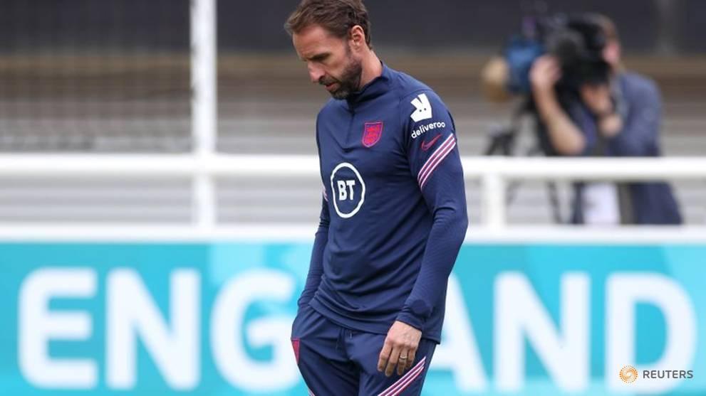 Soccer - England should not be 'football snobs' at Euros: Southgate