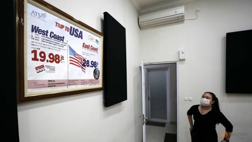 Indonesia travel agencies offer queue-beating US COVID-19 'vaccination tours'