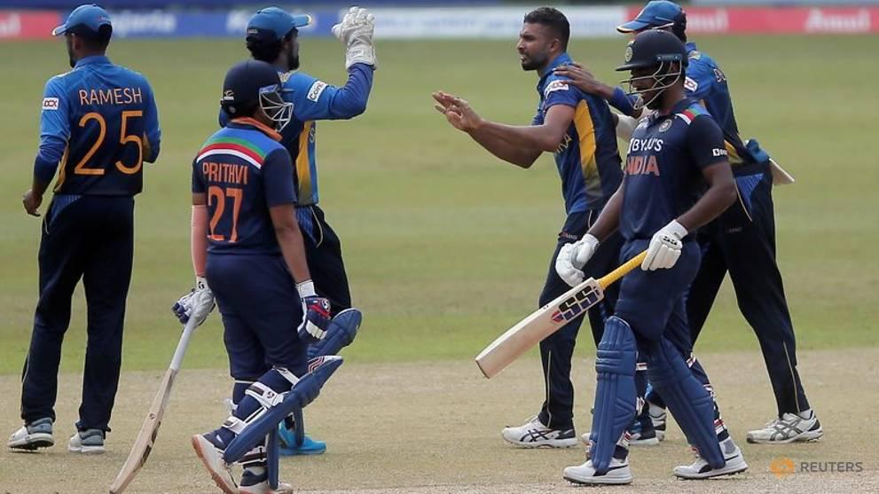 Cricket-Spinners, top order help Sri Lanka avoid whitewash against India