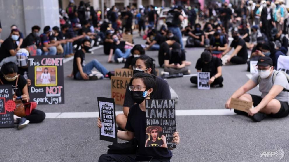 Malaysians stage anti-government protest despite COVID-19 curbs
