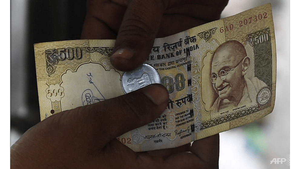 Indian farmer commits suicide after rupee note ban - CNA