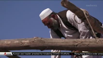 Afghan refugees in Pakistan struggle to survive as COVID-19 hits economy   Video