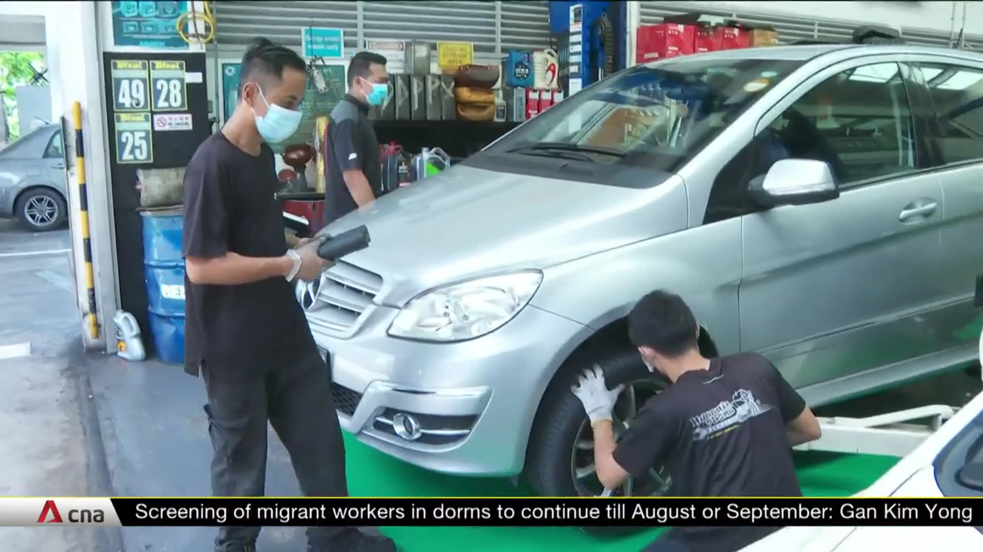 Spike in car servicing appointments after Singapore's exit from COVID-19 circuit breaker | Video