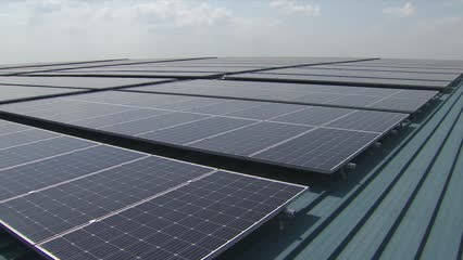 Singapore's largest rooftop solar farm project completed | Video