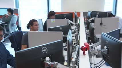 Women in Singapore earn 6% less than men for similar work: MOM study   Video