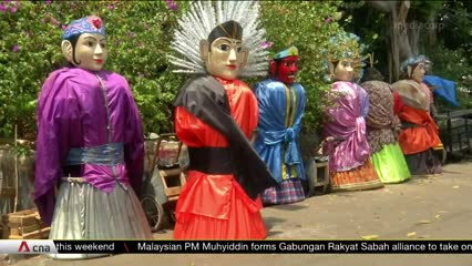 Jakarta puppet street buskers adapt to COVID-19 pandemic | Video