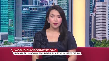 New Delhi slum chokes under plastic wastes   Video