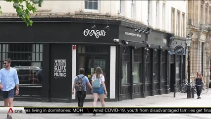 Shops in the UK reopen after months of COVID-19 lockdown | Video