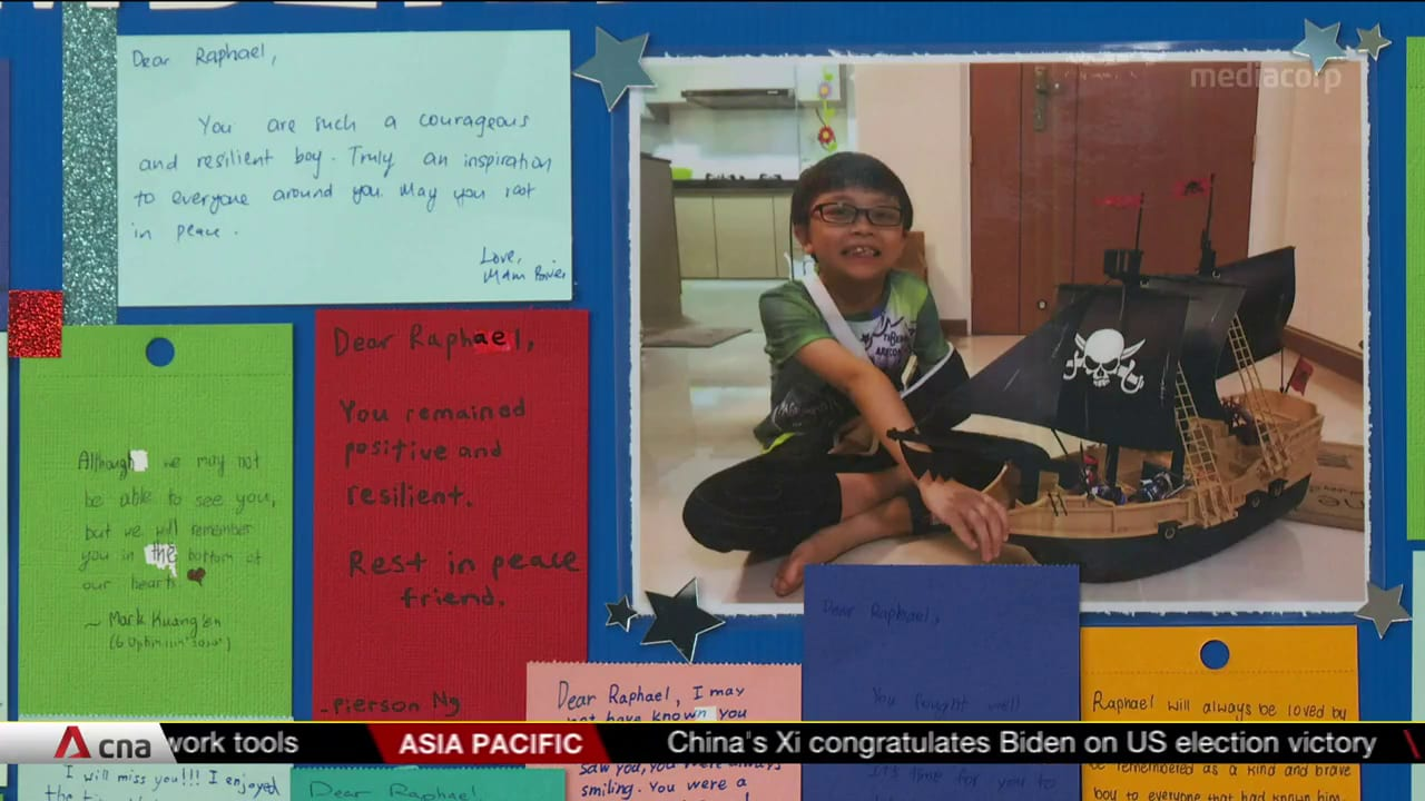Parents collect son's PSLE results after he died from cancer | Video