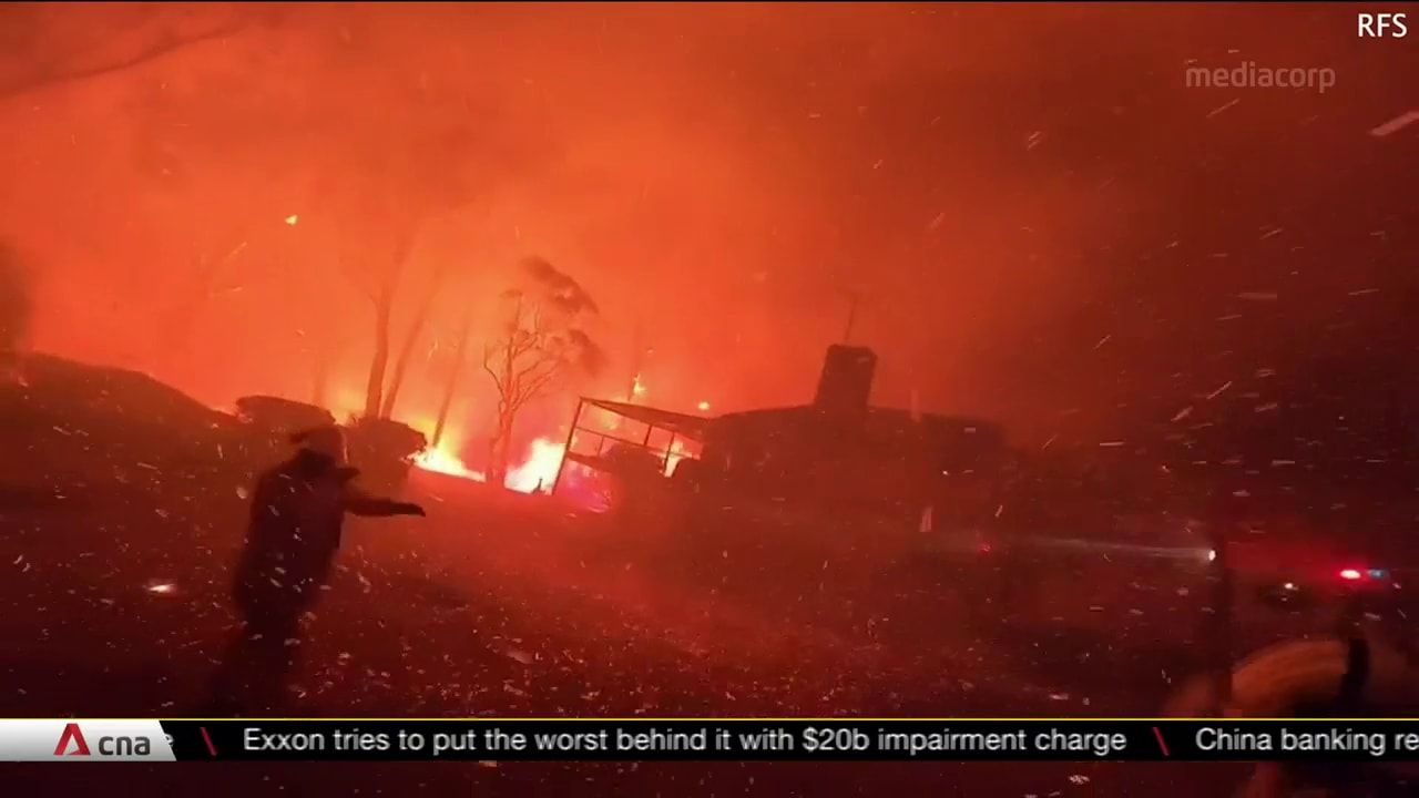 Bushfires and COVID-19 pandemic catapulted Australia into economic crisis | Video